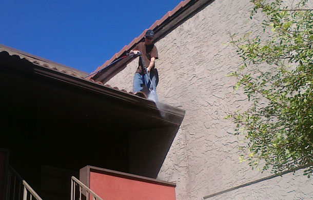 commercial-gutter-cleaning-cavecreek